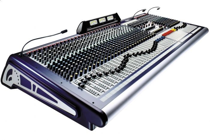SOUNDCRAFT GB8 PROFESSIONAL 24 CHANNEL MIXING DESK